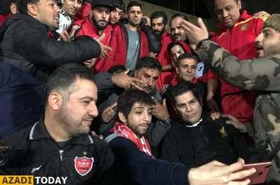 حضور او در ورزشگاه با استقبال هواداران پرسپولیس همراه شد.